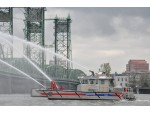 Munson Delivers Fireboat to Vancouver